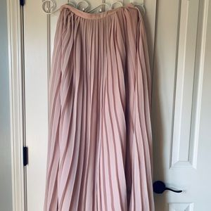 Square pleated maxi length skirt